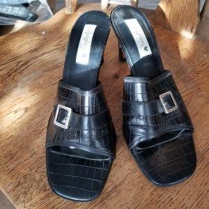 Brighton lo heel shoe